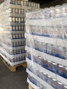 Birra chiara mani per il nepal