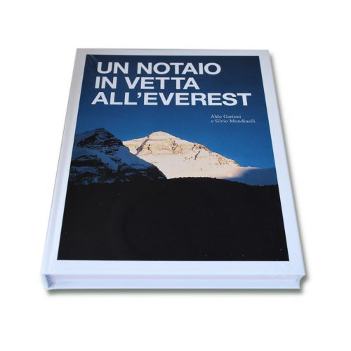 Libro Mani per il Nepal Un notaio in vetta all'everest