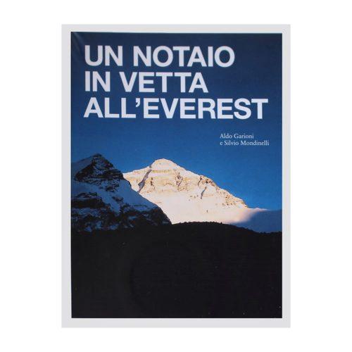 Un notaio in vetta all everest Mani per il Nepal